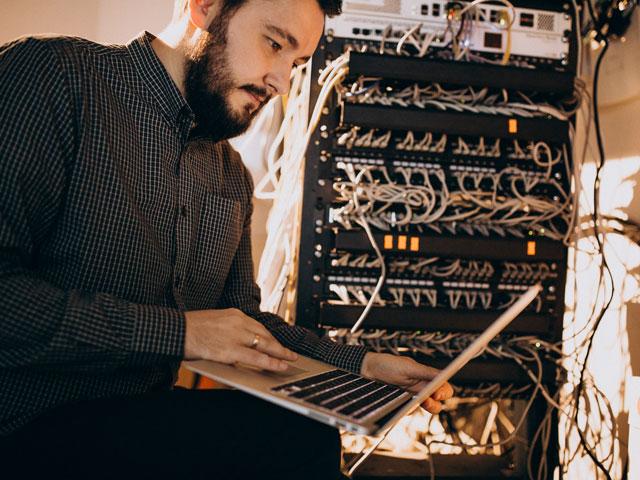 Informatikai üzemeltető